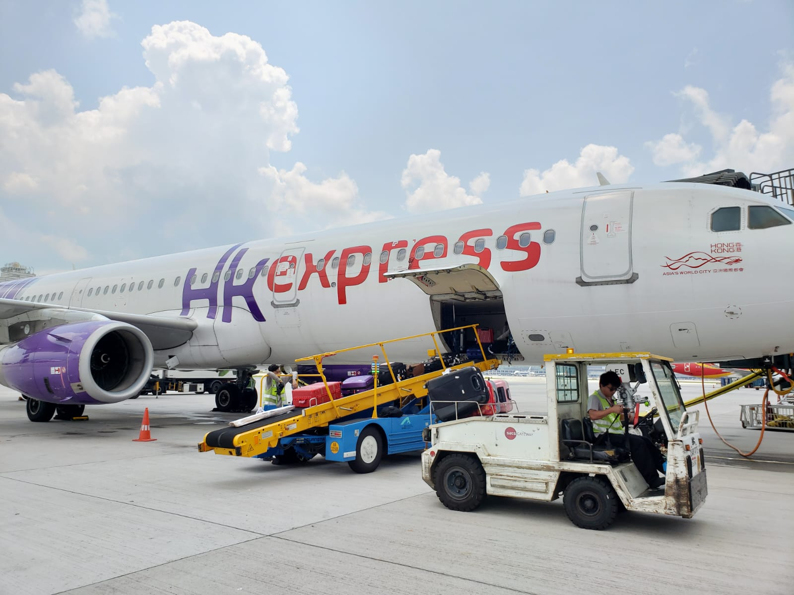 Hong Kong Express Airways - Ramp Services
